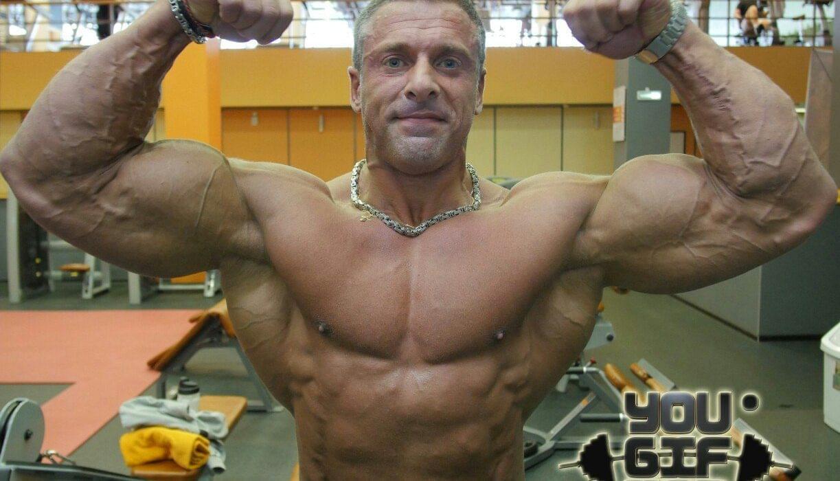 Станислав Линдовер в своем подходе к набору мышечной массы